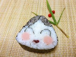 お多福さんのデコ巻き寿司
